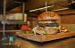Felejtsétek el a gyorséttermet, az igazi ízélményt itt kapjátok! Kézműves burger 18dkg hússal, házi burgonyachips és amerikai káposztasali, azaz Coleslaw csillapítja majd éhségeteket, míg szomjúságotokat házi limonádé oltja, mindez barátságos, fiatalos környezetben, a Kantin Steak & Burgerben (IX. ker.) vár rátok, csak vásároljatok kupont, csupán 3.990 Ft-ért!