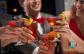 Induljon a party koktélozással! Válassz 46 koktél közül kettőt a belvárosi Karolina Caféban!