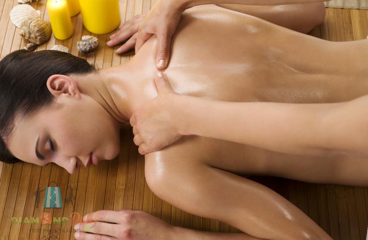 Holisztikus svédmasszázs 30 percben, hogy teljes testben ellazulj és méregteleníts!